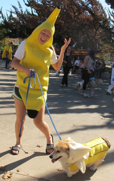2 Bananas at DOG-O-WEEN